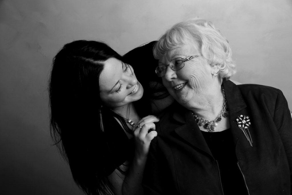 Altenpflege: Gemeinsam Lachen ist die größte Freude