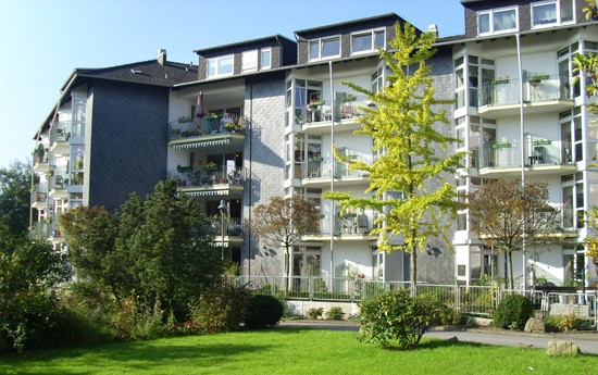 im Altenzentrum St. Josef in Witten Annen habe ich meine ersten Erfahrungen in der Altenpflege gemacht.